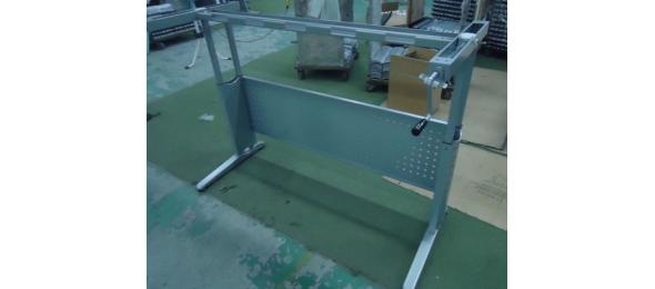 Регулируемая опора для стола с ручным приводом